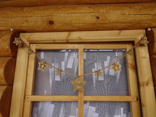 IMwood - Vánoční Girlanda jednostranná - 9 hvězd - délka 1 m