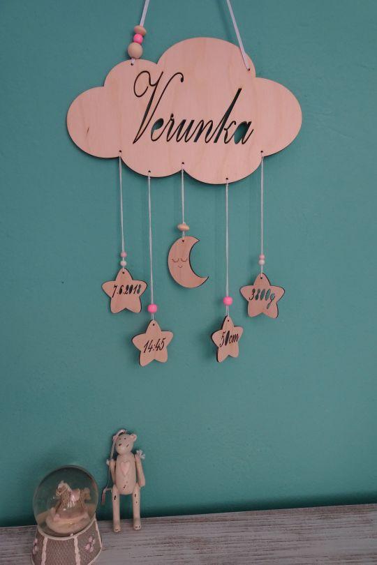 IMwood - Dřevěný dekorativní Obláček s jménem miminka a informacemi o narození, 25 x 15 cm