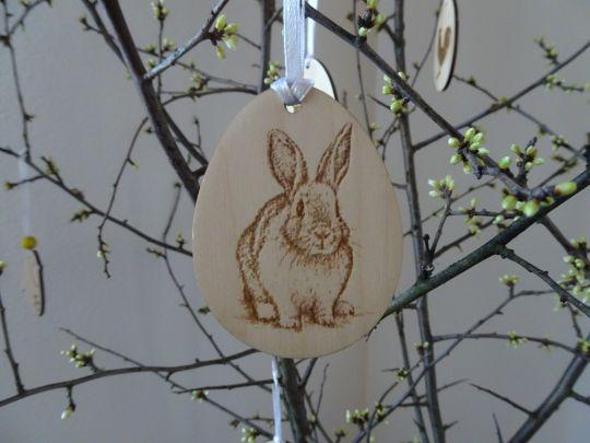 IMwood - Velikonoční Vajíčko dřevěné - Zajíček gravírovaný 6 x 5 cm