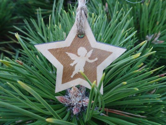 IMwood - Vánoční hvězda dřevěná - Andělíček 6 x 6 cm
