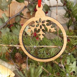 Vánoční baňka dubová-půl vločka
