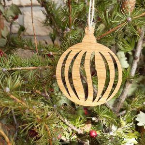 Vánoční baňka dubová-díravka