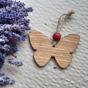 Velikonoční dubový motýlek