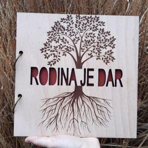 Dřevěný album-RODINA JE DAR